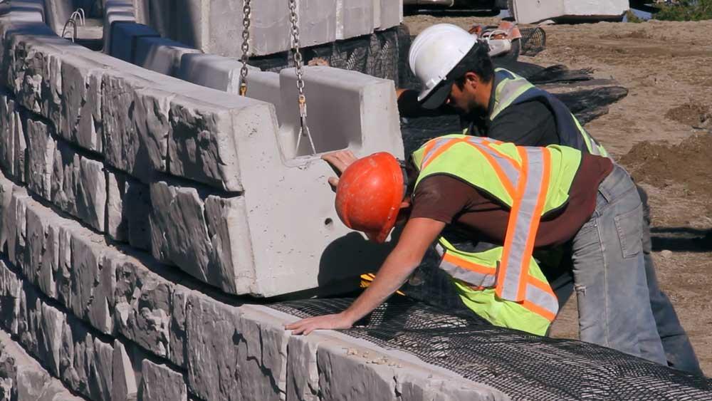 Geogrid Retaining Wall   MagnumStone