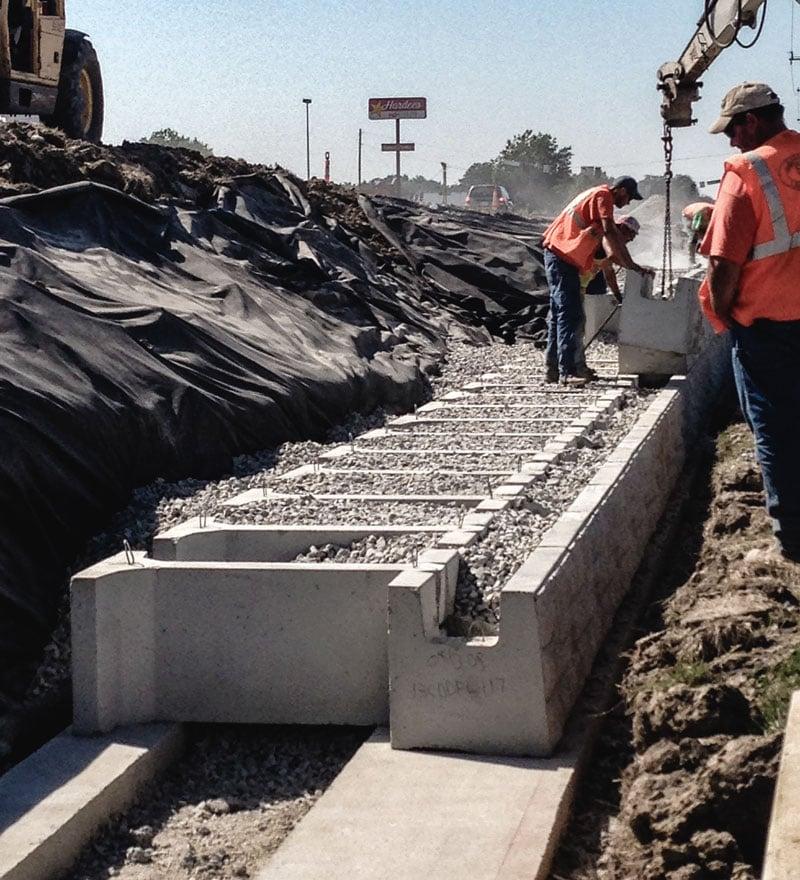 MagnumStone Big Block Retaining Wall Assembly