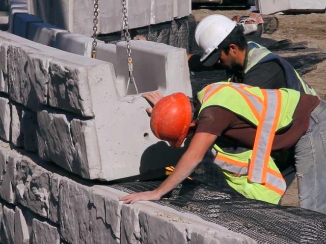 MagnumStone Geogrid Retaining Wall
