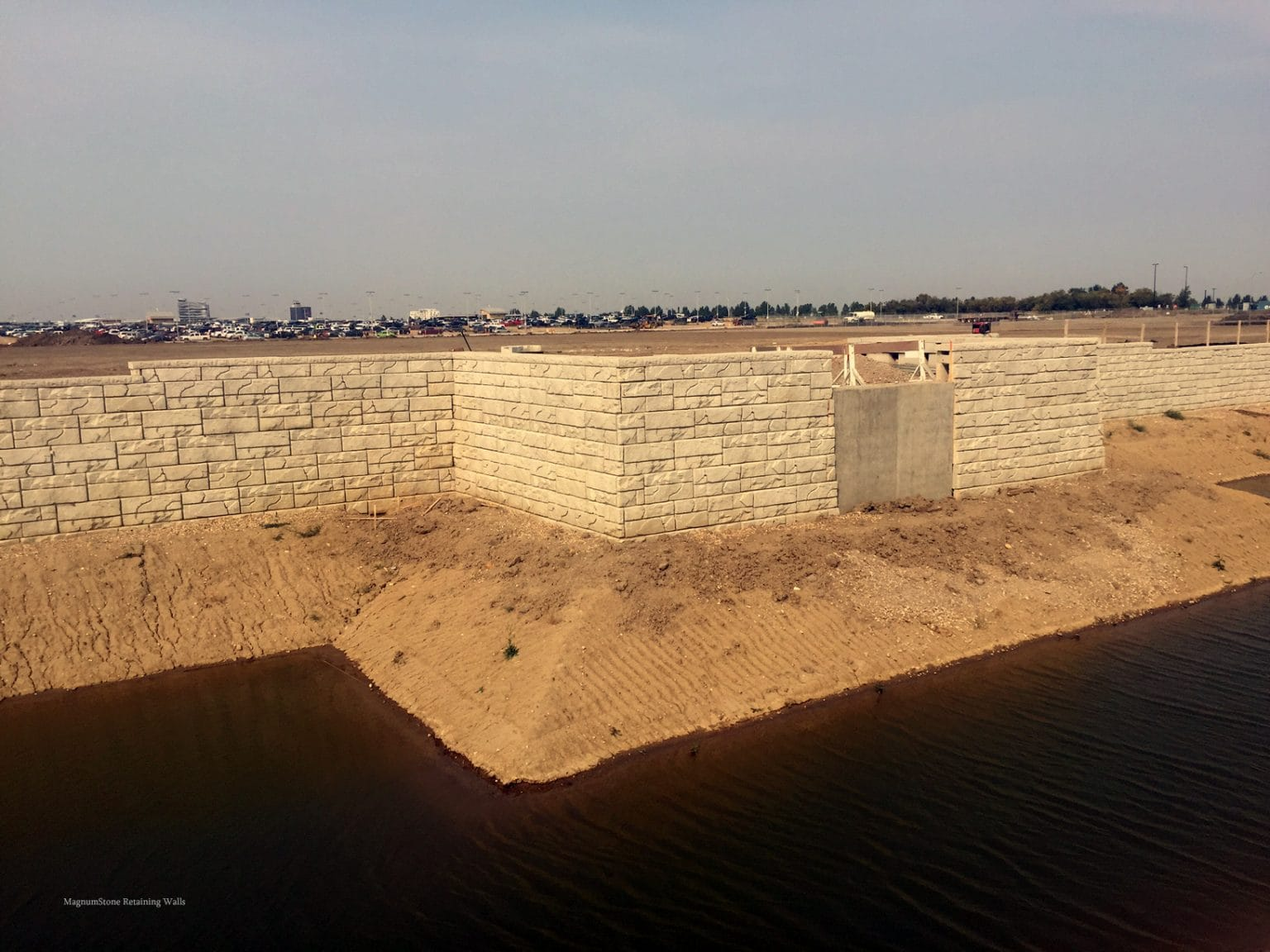 MagnumStone Geogrid Retaining Wall Construction