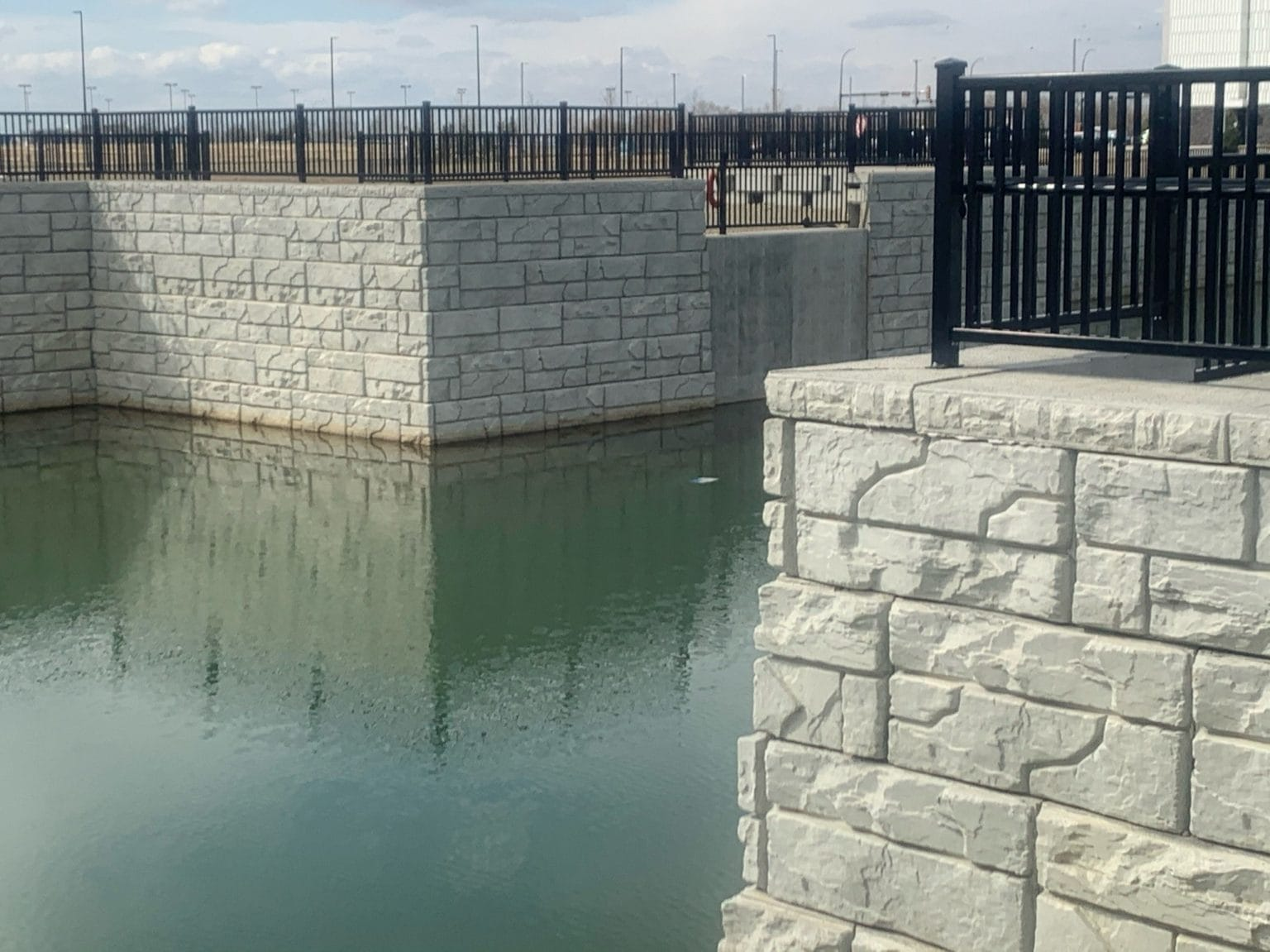 MagnumStone Retaining Wall Corners Retention Basin