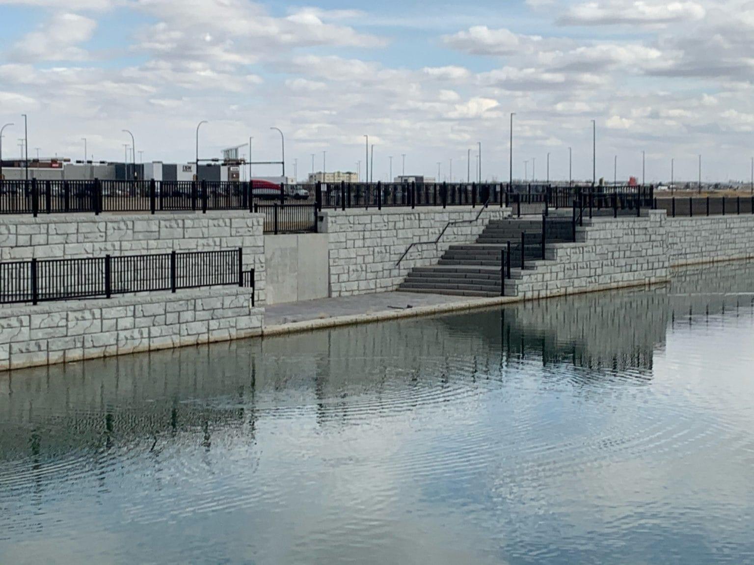 MagnumStone Retaining Wall Platform Viewing Area