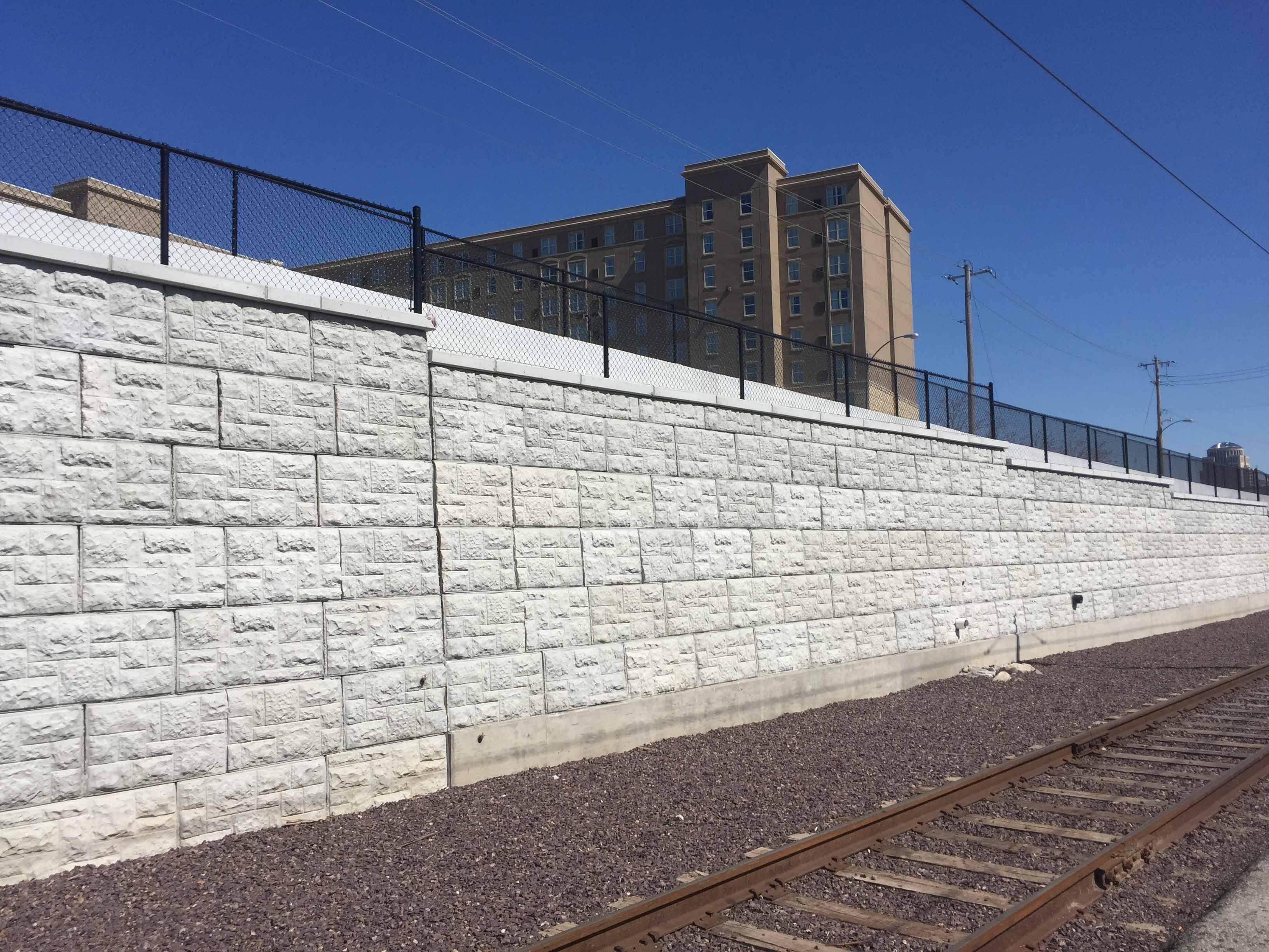 Magnumstone Retaining Wall St Louis Metro.