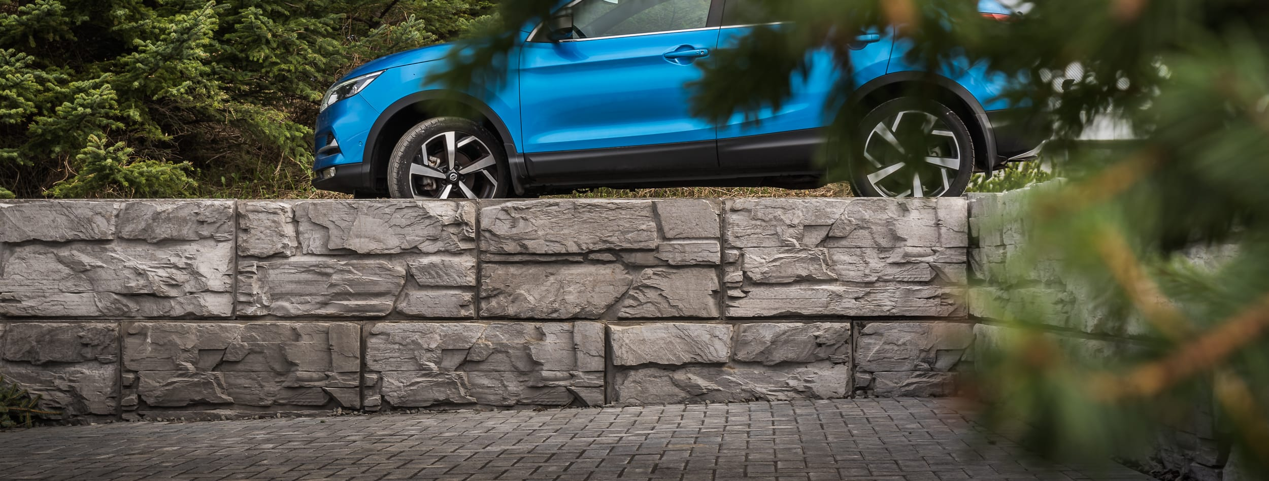 Retaining-Wall-Big-Block-MagnumStone-Natural-LedgeFace