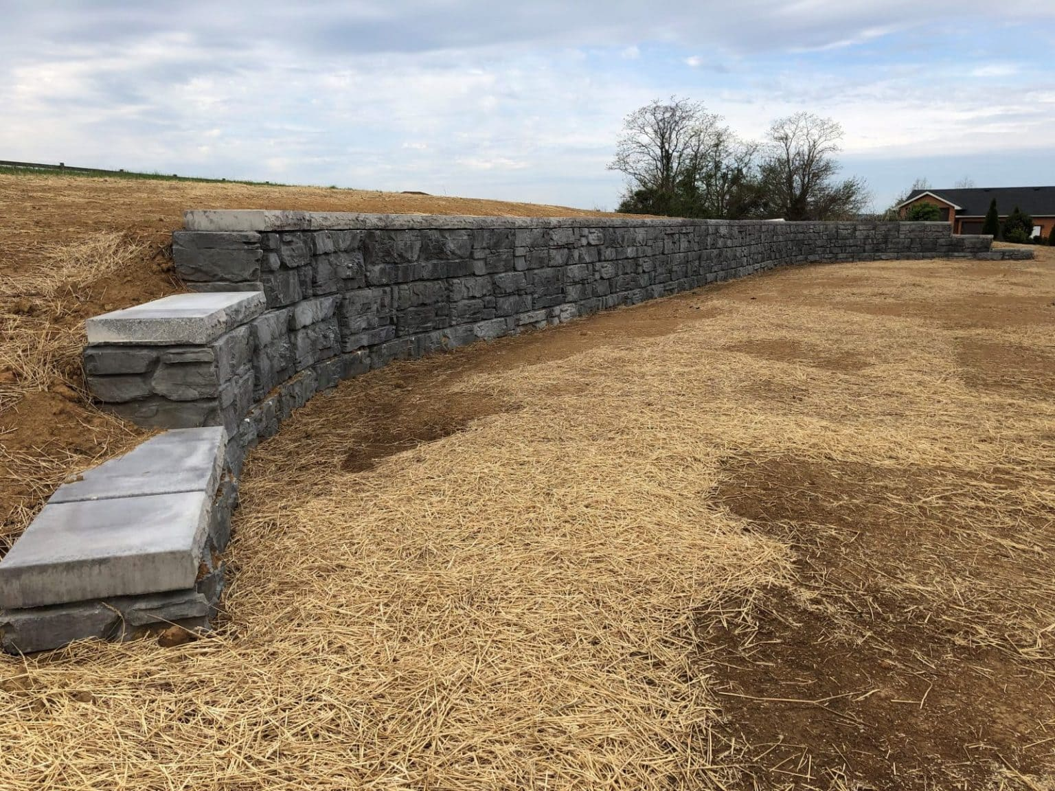 Bardstown Kentucky MagnumStone Retaining Wall with curves