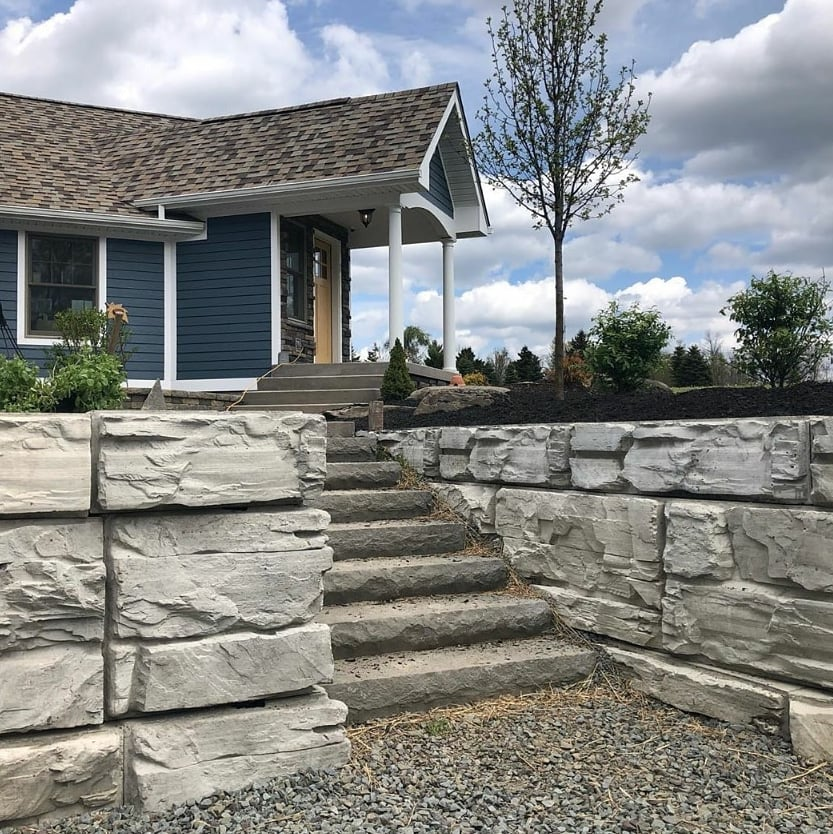Residential MagnumStone Retaining Wall With Stairs