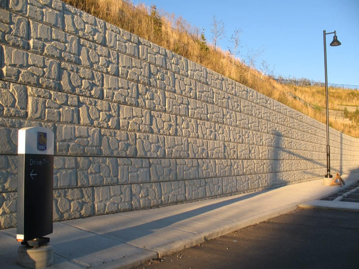 MagnumStone Block Retaining Wall Field Face