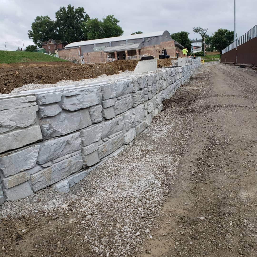 MagnumStone Block Ledge Face Retaining Wall Construction