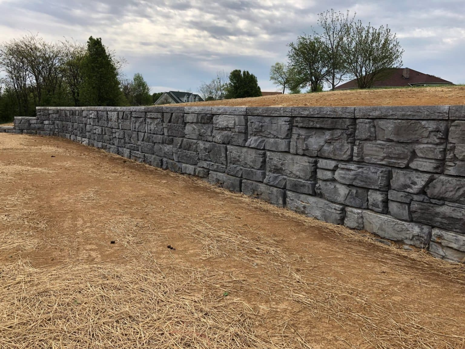 Finished MagnumStone Retaining Wall in Bardstown Kentucky