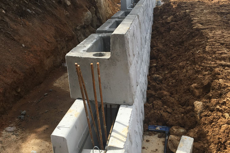 decorative steel and concrete wall contractors