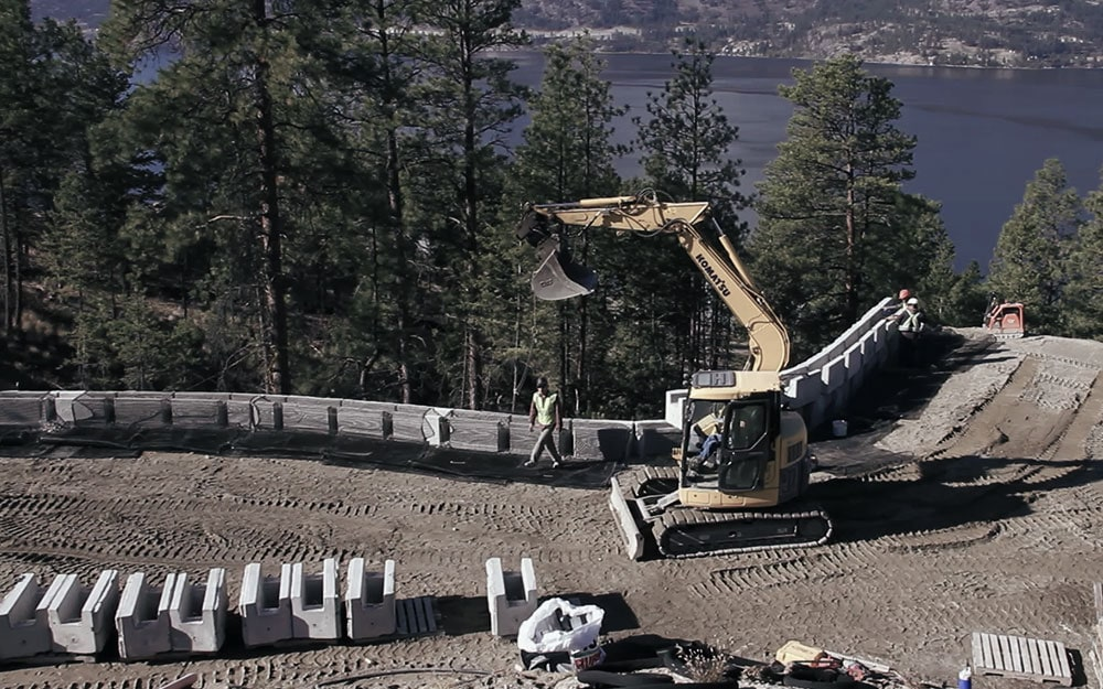 MagnumStone 40% faster retaining wall installation